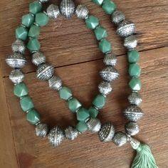 Terço de mesa de jade e contas cor prata /R$210,00 / codigo tm006