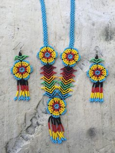 Martina's Huichol beaded necklace with por ArtesaniasBatyah en Etsy