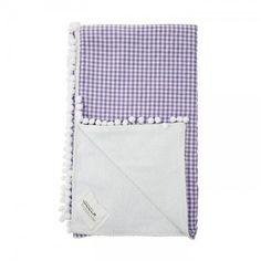 Λευκή πετσετα με καρό λιλά ύφασμα και λευκό πον πον
