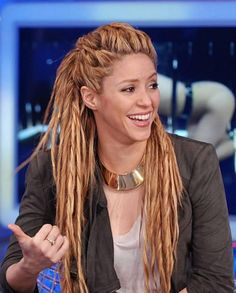 I can't help but now see the protagonist of Horizon Zero Dawn as some alternate universe Shakira...