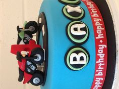 Hand made fondant motor bikes by Cake and Whimsy.