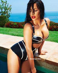 Kim Kardashian posa provocante em novo ensaio sensual - Foto: Instagram/Steven Gomillion