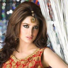 Top 10 Best Pakistani Actresses Of 2013