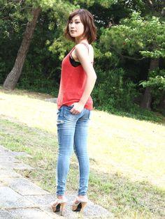 Jeans, Tops, Women, Fashion, Moda, Fashion Styles, Fashion Illustrations, Fashion Models, Denim Pants
