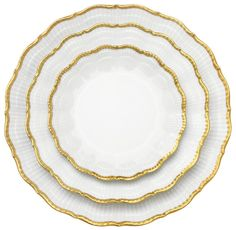 Medard de Noblat china is meticulously handpainted, but unfussy in the most sumptuous of ways.