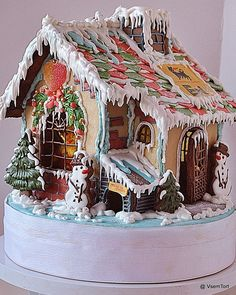 Fairytale Cottage Gingerbread House by VsemTort