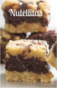 Nutellitas are an easy decadent Cookie Bar Recipe based on Carmelitas, made with Nutella, Oatmeal and chocolate chips. So good, the Best. via /https/://it.pinterest.com/Italianinkitchn/