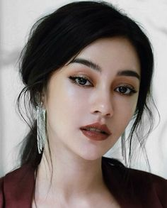 Sultry makeup looks, date night makeup looks, evening makeup looks looks, cocktail party looks, Smokey makeup looks Asian Smokey Eye, Asian Eyes, Sultry Makeup, Glam Makeup Look, Beauty Make-up, Beauty Hacks, Hair Beauty, Beauty Tips, Beauty Trends