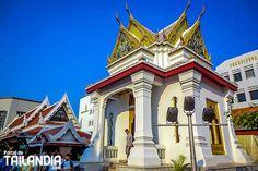 Lak Muang el pilar de Bangkok. Aquí nació en 1782 la nueva capital de Tailandia tras la caída de Ayutthaya. Quieres conocer los inicios de esta ciudad? #bangkok #tailandia #vacaciones #viajar http://ift.tt/2vvobPh