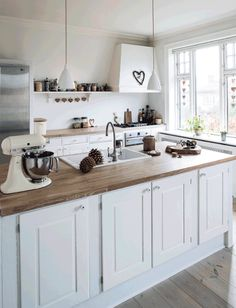 Kitchen cabinets, island and benchtops