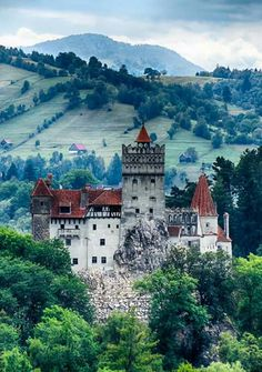 Bran Castle, Romania – also known as Dracula's Castle 14 of the Most Amazing Fairy Tales Castles you should See in a Lifetime Beautiful Castles, Beautiful World, Beautiful Places, Places Around The World, The Places Youll Go, Places To See, Bran Castle Romania, Photo Chateau, Dracula Castle