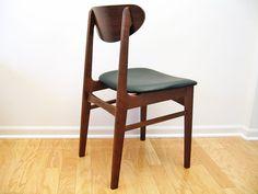 Mid-Century Danish Modern Side / Desk Chair por ObjectOfBeauty