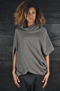 Lost and Found – Short Sweatshirt Poncho, grey | -PNP, fashion stores in Florence |