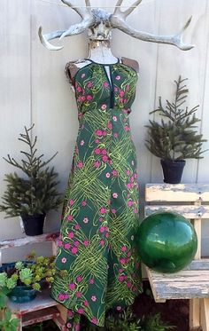 REDUCED SALE CLEARANCE Vintage dress. deep by KitschVintageClothes, $8.00