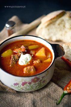 Węgierska zupa gulaszowa | Hungarian Goulash Soup