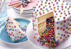 Recette de Gâteau au lait chaud - Recette Gâteaux Facile Cake Cookies, Cupcake Cakes, Surprise Inside Cake, Pinata Cake, Food Humor, Sweet Cakes, Cakes And More, Let Them Eat Cake, Party Cakes