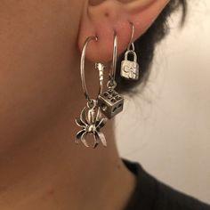 Grunge Accessories, Grunge Jewelry, Funky Jewelry, Cute Jewelry, Jewelry Accessories, Jewelry Tattoo, Ear Jewelry, Jewelery, Unique Ear Piercings
