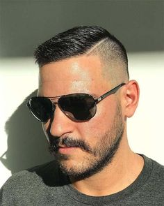 Best High And Tight Haircuts For Men (Top 44 Picks) In need of a new look that is trendy and chic? Go for these high and tight haircuts that have got all you to look elegant and refined. Short Fade Haircut, High And Tight Haircut, Short Hair Cuts, Very Short Hair Men, Navy Haircut, Men Hairstyle Short, Man's Hairstyle, Trendy Mens Hairstyles, Cool Haircuts