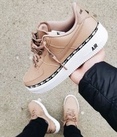 Discover recipes, home ideas, style inspiration and other ideas to try. Nike Air Force Black, Nike Air Force 1 Outfit, Nike Shoes Air Force, Nike Air Force Ones, Cute Sneakers, Sneakers Nike, Hype Shoes, Fresh Shoes, Custom Shoes