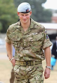 See pictures of Prince Harry wearing a Rolex Explorer II watch. Prince Harry Of Wales, Prince Harry Photos, Prince William And Harry, Rolex Explorer Ii, Jubilee Day, Harry Windsor, Prinz Harry, Watch Photo, Sports Models