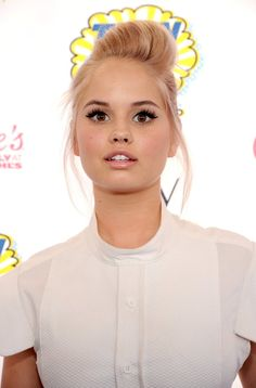 Pin for Later: The Choicest Beauty Looks at the Teen Choice Awards Debby Ryan Debby Ryan attended the 2014 Teen Choice Awards with glowing skin and lush lashes.