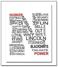 20 Amazing College Football Cheerleaders: Midseason Round