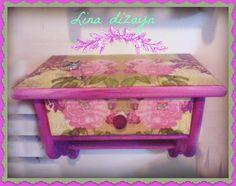 repisa un cajón horizontal, motivo rosas, técnica decoupage. por: lina dizayn