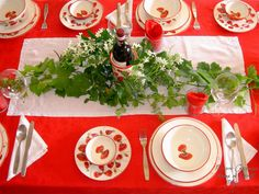 Traditional Italian Table Setting | Tables set with Rampini Ceramics hand made Italian pottery for dinner ...