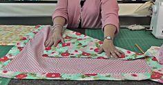 Missouri star quilting tutorials receiving blankets New ideas Self Binding Baby Blanket, Baby Blanket Tutorial, Easy Baby Blanket, Quilt Baby, Baby Quilt Patterns, Crib Quilts, Sewing Patterns, Baby Receiving Blankets, Flannel Baby Blankets