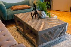 Grange et Chevron régénéré palette bois Table basse avec rangement sur roulettes rustique moderne