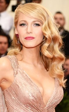 Our Blake Lively hair envy hit dangerous levels after the Met Gala. Those waves are perfection!