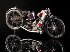 (via Amazing Hand-Built Motorcycles from 1950 Up For Auction...