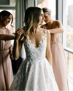 Pretty wedding gowns can be made to order. We make custom #weddingdresses for brides of all sizes. We also can make #replicaweddingdresses from any picture you have that will look similar but cost much less. Contact us for pricing at www.dariuscordell.com