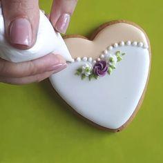 My Lovely Cookie Fancy Cookies, Iced Cookies, Cute Cookies, Easter Cookies, Cookies Et Biscuits, Cupcake Cookies, Sugar Cookies, Cupcakes, Wedding Shower Cookies