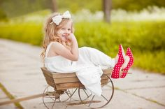 sweet idea for lovely child photography Children Photography, Picture Ideas, Photo Ideas, Baby Strollers, Polka Dots, Photoshoot, Fancy, Sweet, Kids