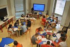 Risultati immagini per immagini di classi e insegnanti