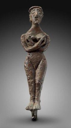 female figurine holding breasts Near Eastern, Levantine, Syrian, Early Bronze Age, 3200–2800 B.C.  Museum of fine Arts, Boston