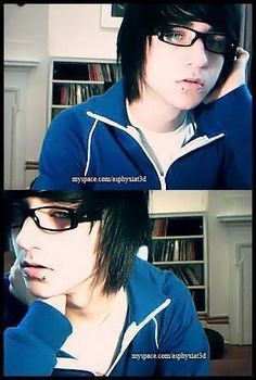 Alex evans image by Caitlin_Catastrophe - Photobucket Cute Scene Boys, Scene Guys, Cute Emo Boys, Emo Scene, Emo Girls, Scene Hair, Hot Emo Guys, Hot Boys, Alex Evans