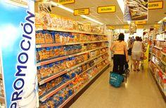 Conoce cuáles son las estrategias que emplean los supermercados para tratar de vender más. Así sólo comprarás lo que quieres y necesitas. #supermercado #ahorro