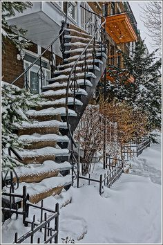stairway - Montréal - (by Julien Lebreton) Quebec Montreal, Montreal Ville, Quebec City, Montreal Architecture, Visit Canada, Canadian History, Beautiful Architecture, Pictures To Paint, Stairways