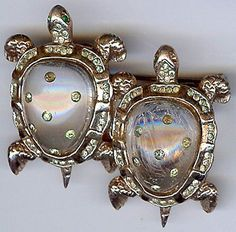 CORO VINTAGE STERLING SILVER JELLY BELLY TURTLE DUETTE PIN CLIP ///Mine does not have the back piece that joins the two turtles.
