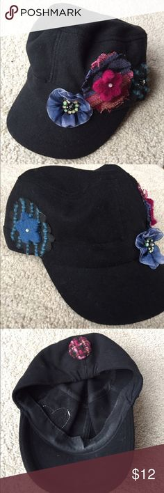 "Black winter hat Black ""felted"" hat with felted flower accents - like new Accessories Hats"