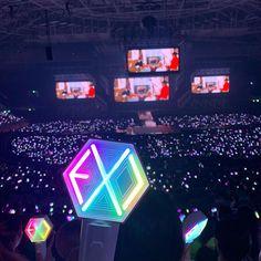   🍦⋅𝚔𝚎𝚖𝚑𝚑𝚠    190728 EXplOration in Seoul D6 Lightstick Exo, Chanyeol, Kpop, Explore, Seoul, Sticks, Culture, Wallpaper, Wallpapers