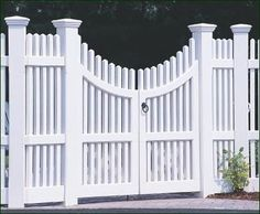 Chestnut Hill Double Walk Gate - In this instance, Walpole accommodated a customer's request by including double parallel posts and Westport Caps to complement this superb double Walk gate.