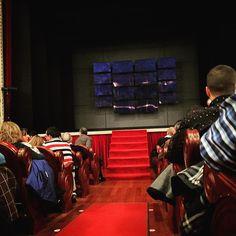 Hoy teatro #tricicle @teatrochapi #Villena #tw #pin