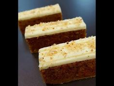 2 carrot cake 20 cm long, 8 CM Wide, 8 cm in height - Philippe Conticini Biscuits, Cake Youtube, French Food, Macarons, Cornbread, Vanilla Cake, Cupcake Cakes, Cupcakes, Coffee Shop