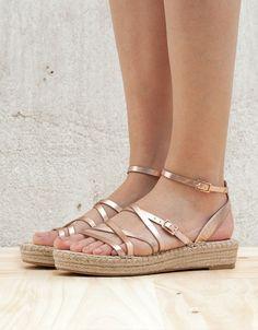 View All - WOMAN - Shoes - Bershka Indonesia