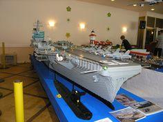 Lego US aircraft carrier Lego Aircraft Carrier, Lego Ship, Lego Models, Lego Stuff, Navy Ships, Cool Lego, Lego Building, Legoland, Battleship