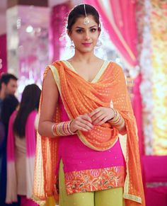 Monica Gill is an American model, actress and beauty pageant title holder. She won the Miss India Worldwide 2014 on 21 June Designer Punjabi Suits, Indian Designer Wear, Indian Suits, Indian Wear, Beautiful Suit, Beautiful Women, Urban Fashion, Girl Fashion, Punjabi Models