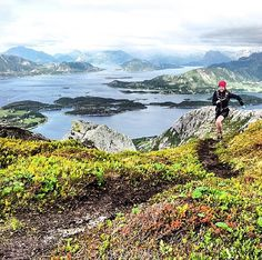 Sky Track - #Photo : @martinkristoffersen - My sweet wife hitting third gear up #Risnestind. #runforfun #trailrunning #Engavågen #Meløy. - Welcome to #RunnerLand - Lets follow us & tag #RunnerLand in your photos for featured